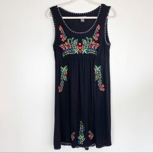 Dresses & Skirts - Chelsea & Theodore Sleeveless Embroidered Dress